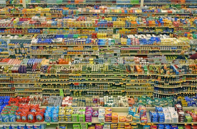 Image of the aisles of a superstore