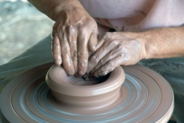 Image of a potters wheel